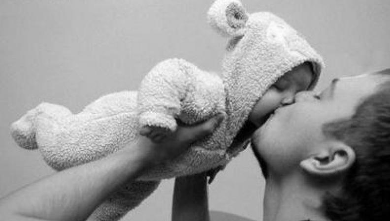 Intelligenza emotiva come allenare tuo figlio: dalla nascita ai 3 mesi